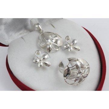 Дамски сребърен комплект Букет обеци пръстен медальон 1112
