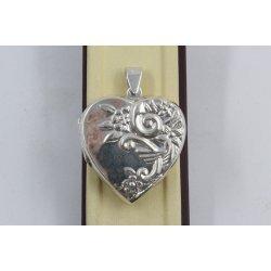 Дамски сребърен отварящ се медальон 1452
