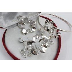 Дамски сребърен комплект Нарцис гривна медальон обеци пръстен 1677