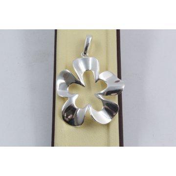 Дамски сребърен медальон Нарцис 1679