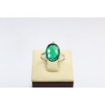 Дамски сребърен пръстен със зелен камък 168