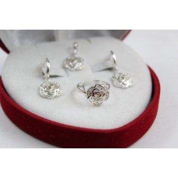 Дамски сребърен комплект Розички 2042