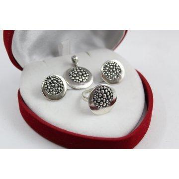 Дамски сребърен комплект тъмно сребро 2228