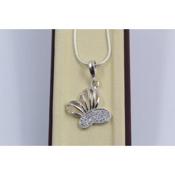 Сребърно дамско колие Пеперуда бели камъни 2417