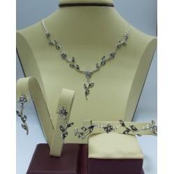 Дамски сребърен комплект Ангелски Цветя бели колие гривна обеци