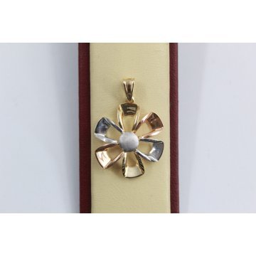 Дамски златен трицветен медальон 2561