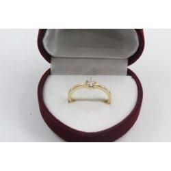 Дамски златен годежен пръстен жълто злато бял циркон 2605