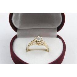 Дамски златен годежен пръстен жълто злато бял камък 2609