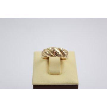 Дамски златен пръстен жълто злато бели камъни 2618