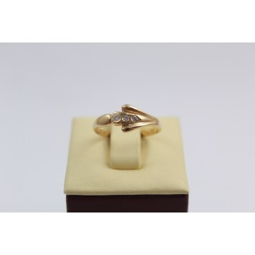 Дамски златен пръстен бели камъни жълто злато 2626