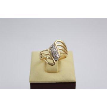 Дамски златен пръстен жълто злато бели камъни 2633