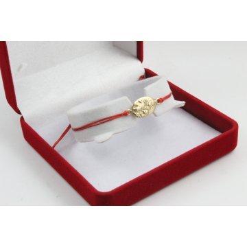 Златна регулираща се гривна с червен конец и златна богородица 2717