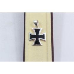 Сребърна висулка кръст черен камък 2897