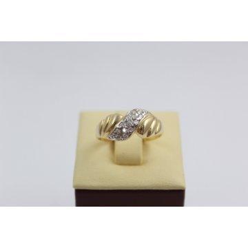 Златен женски пръстен бяло и жълто злато и бели камъни 3121