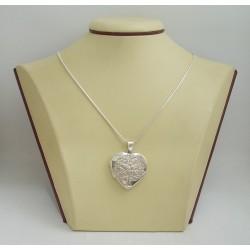Сребърен отварящ се медальон за снимка сърце с гравюра 3249