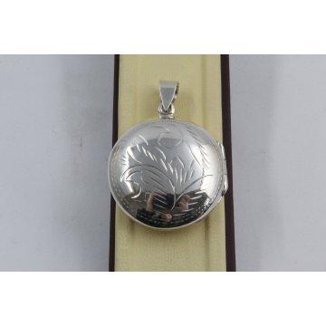 Сребърен отварящ се медальон за снимкa гравюра 3250