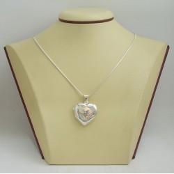 Сребърен отварящ се медальон за снимкa - сърце с гравюра 3251