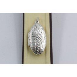 Сребърен отварящ се медальон за снимкa елипса гравирана 3255