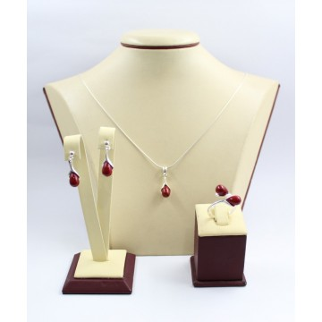 Дамски сребърен комплект със синтетични червени перли