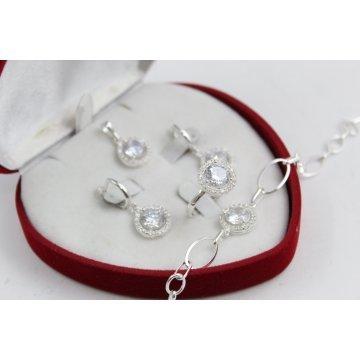 Дамски сребърен комплект с бели камъни Баронесата обеци пръстен медальон гривна 3385
