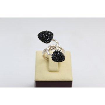Дамски сребърен пръстен с черни камъни 3420