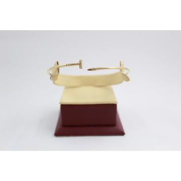 Дамска златна твърда гривна пирон жълто злато камъни 3485