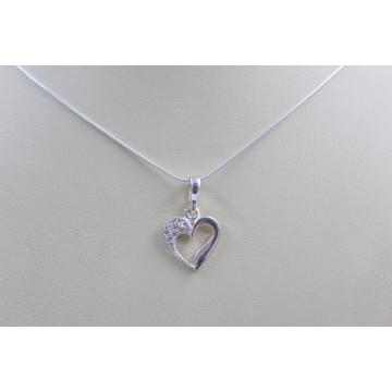 Дамско сребърно колие със сребърно сърце с камъни 3622