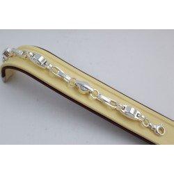 Дамска сребърна гривна с гравирани елементи 3735