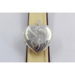 Дамски сребърен отварящ се медальон за снимка гравирано сърце 3937