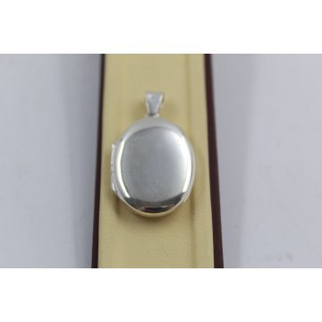 Дамски сребърен отварящ се медальон за снимка елипса изчистена 3942