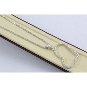 Дамско сребърно колие Сърце с бели камъни 4066