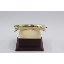 Златна женска твърда гривна жълто злато лазерна гравюра 4124
