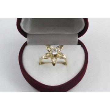Дамски златен годежен пръстен с централен бял камък 4175