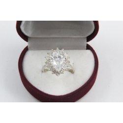 Дамски сребърен годежен пръстен с бели камъни Принцеса 4201