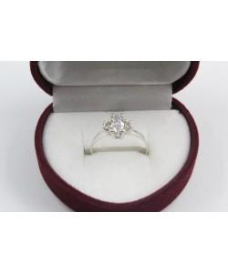 Дамски сребърен годежен пръстен с бели-камани 4205