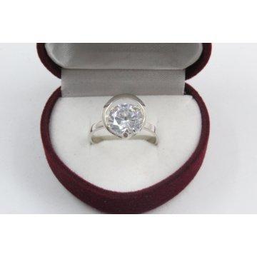 Дамски сребърен годежен пръстен с бял камък Комета 4206