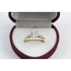 Дамски златен годежен пръстен бели камъни 4208