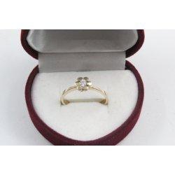 Дамски златен годежен пръстен цвете с бял камък жълто злато 4209