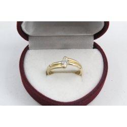 Дамски златен годежен пръстен жълто злато бял камък 4210