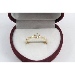 Дамски златен годежен пръстен жълто злато бял камък 4213