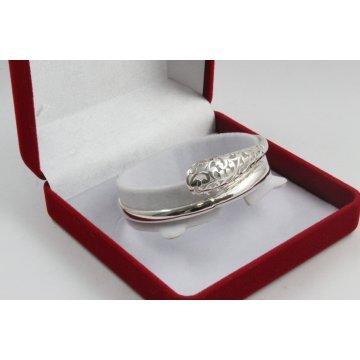 Дамска сребърна твърда гривна 4250