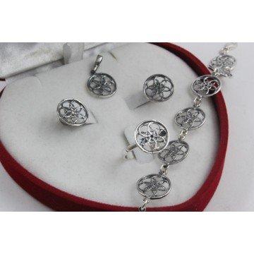Дамски сребърен комплект от тъмно сребро обеци пръстен медальон гривна 4285