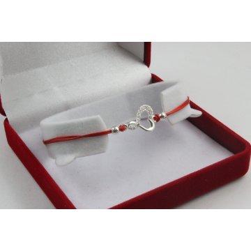 Сребърна регулираща се гривна червен конец сърце с бели камъни 4345