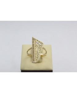 Златен дамски пръстен Пиано Малко жълто злато бели камъни 4372