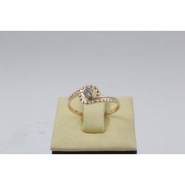 Дамски златен пръстен с ретро дизайн и бял камък 4396