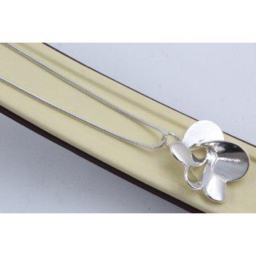 Дамско сребърно колие Хризантема 4490