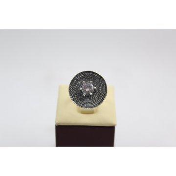 Дамски сребърен пръстен тъмно сребро бял камък 794
