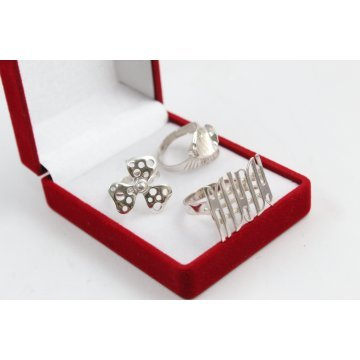 РАЗПРОДАЖБА промо пакет три дамски сребърни пръстена 4600