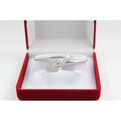 Дамска сребърна твърда гривна с бели камъни 4629