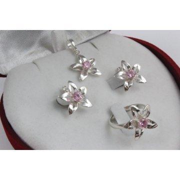 Дамски сребърен комплект Кристална прелест розови камъни 669